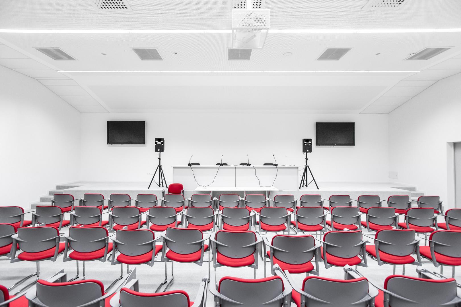 Konferencia- és sajtószoba a Nagyerdei Stadionban