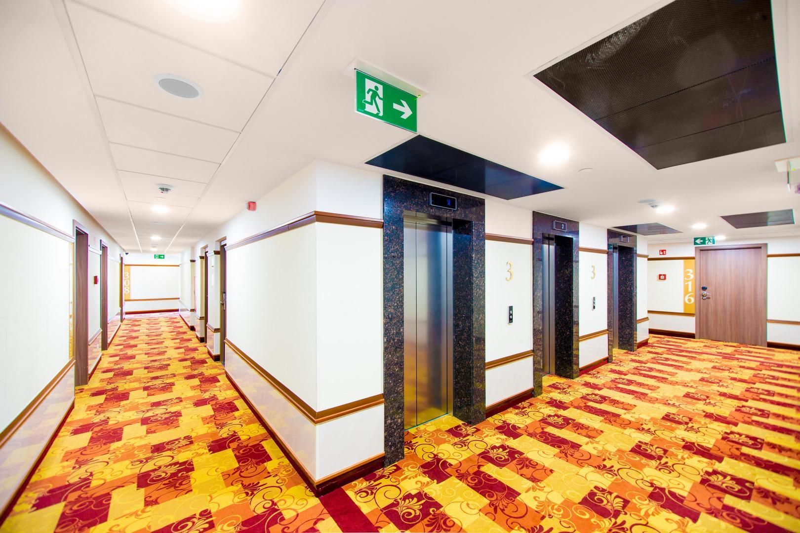 A Hotel Füred mennyezeti hangszórói