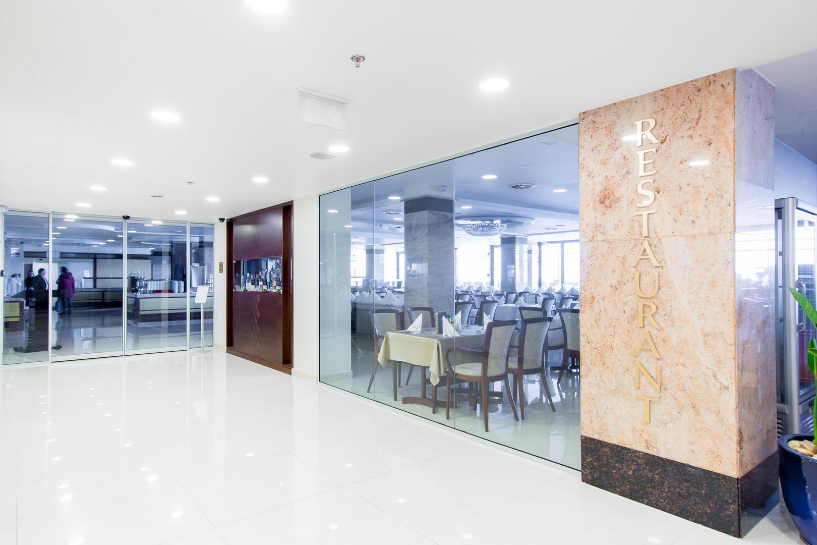 A Hotel Füred mennyezeti hanszórója
