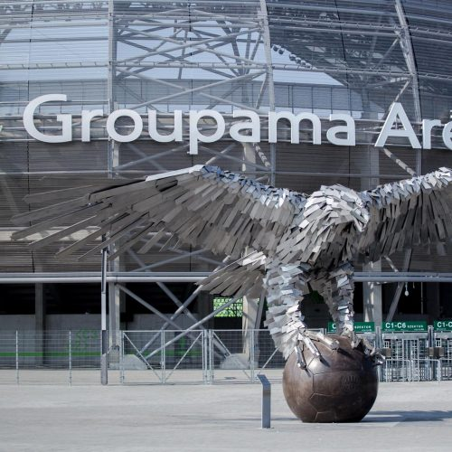 A Groupama Aréna ikonikus szobra