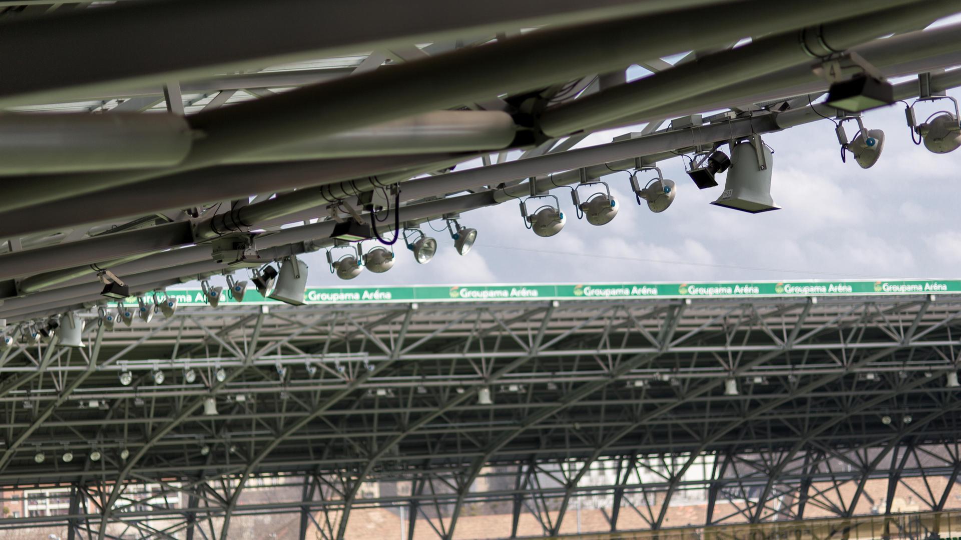 A Groupama Aréna fény- és hangszórói
