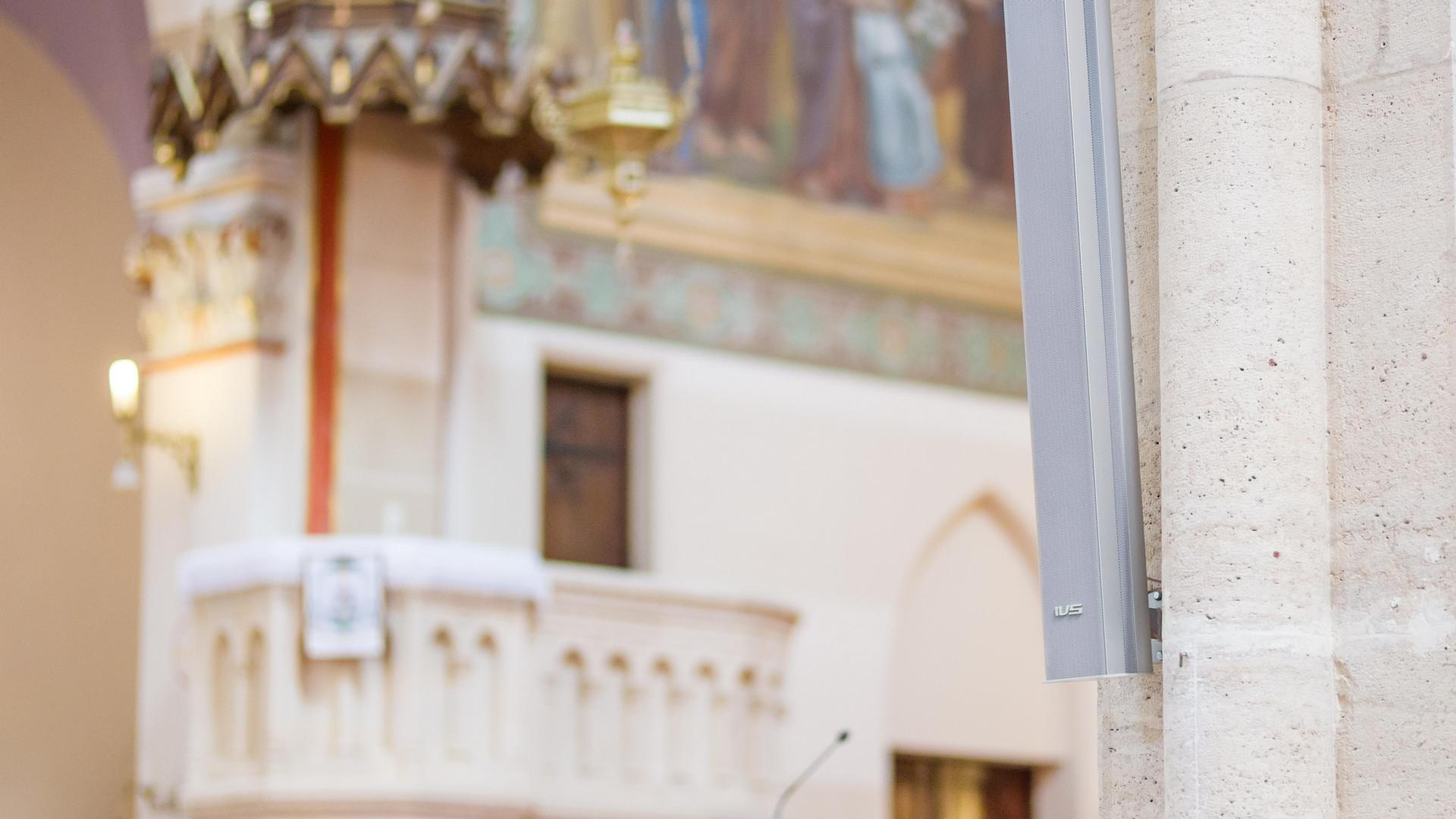 IVS vonalsugárzó a Páduai Szent Antal templomban