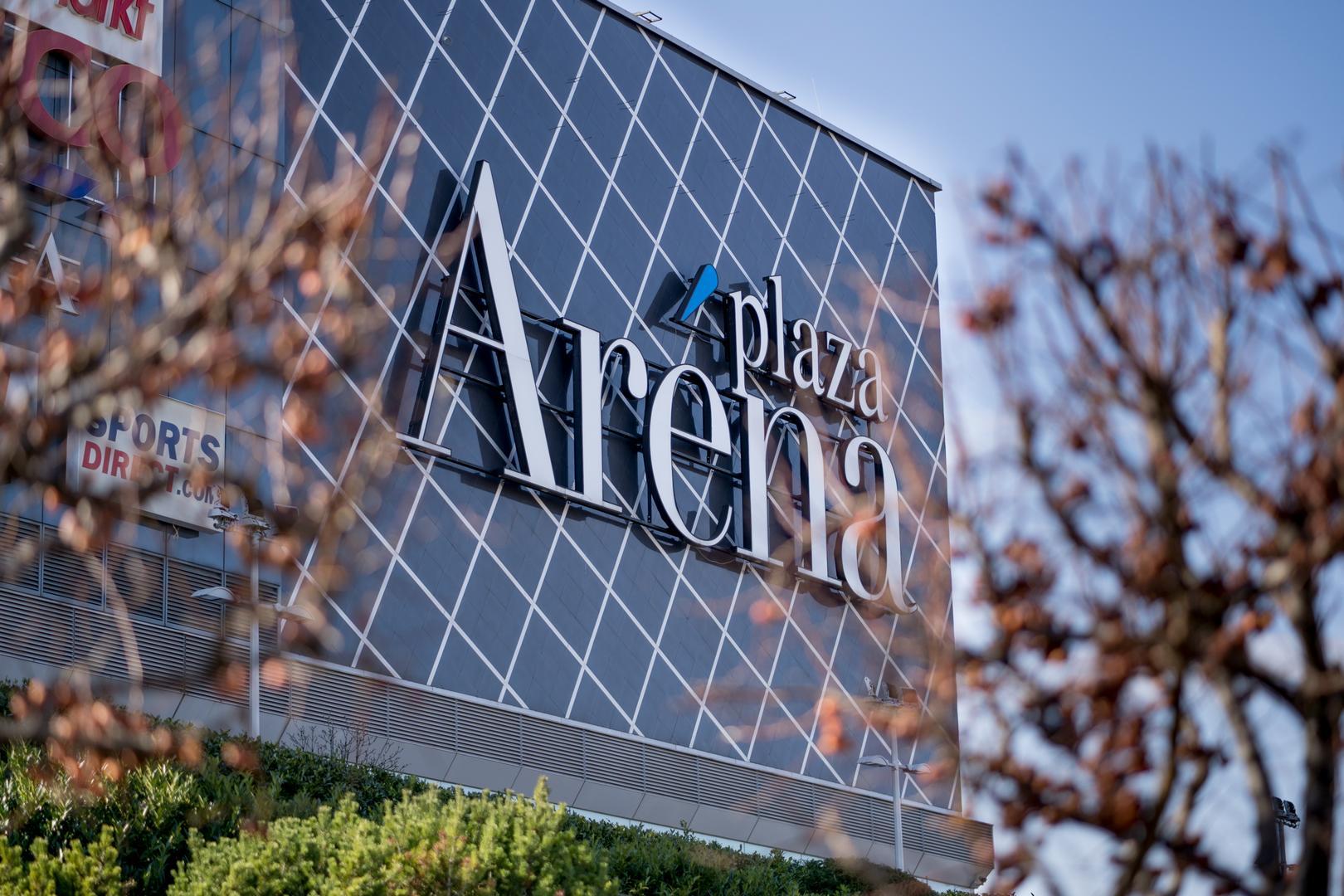 Az Aréna Pláza